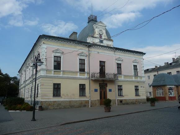 Золочев. Городской совет