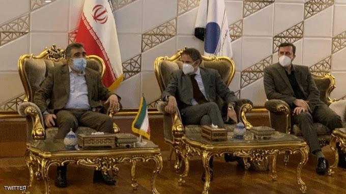 عشية انتهاء مهلة ايران.. مدير الوكالة الدولية للطاقة الذرية يصل إلى طهران