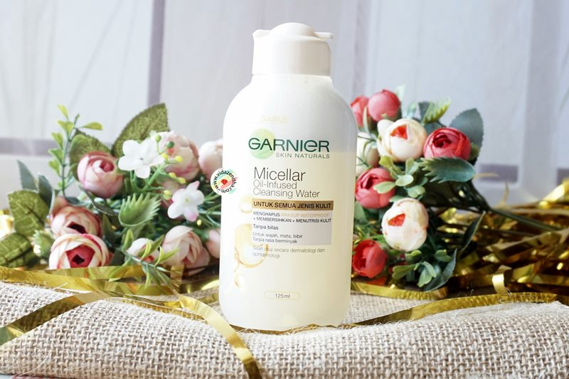 Review Garnier Micellar Oil Infused Cleansing Water | Review Garnier Micellar Water Biphase | vidazenitha.com
