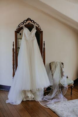 wedding dress photo at casa feliz room