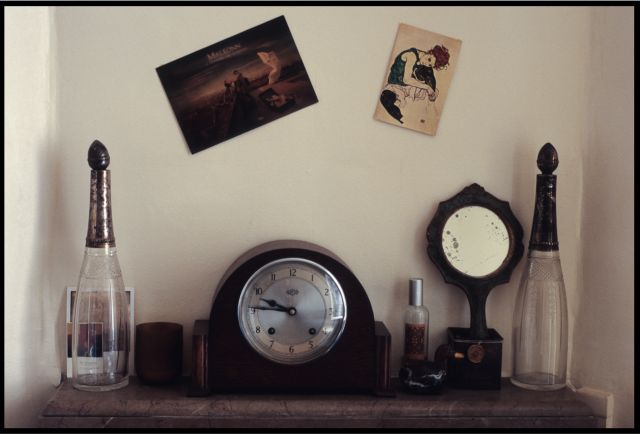 waiting for dramaking. Black Bedroom Furniture Sets. Home Design Ideas