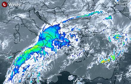 Μικρή πτώση της θερμοκρασίας από αύριο στα κεντρικά και βόρεια με τοπικές βροχές και μεμονωμένες καταιγίδες τις θερμές ώρες της ημέρας