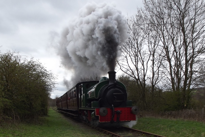 Renishaw Ironworks No.6 heads north past Causey level crossing
