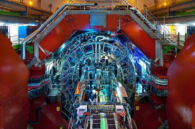Salah satu eksperimen yang berlaku di LHC, iaitu ALICE