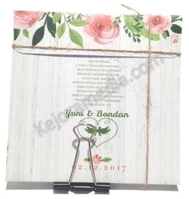 undangan nikah motif bunga cantik