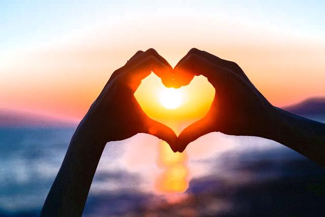 كيف تجعل شخص يحبك وهو لا يحبك - كيف تجعل شخصاً يفكر فيك - كيف تجعلين شاب يحبك 5