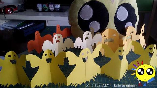 Cadenetas de papel de fantasmas para decorar la casa en Halloween