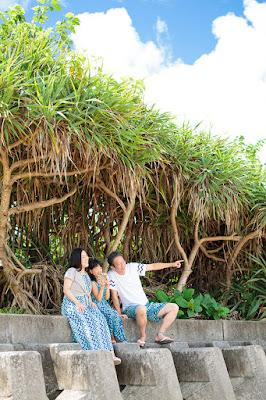 沖縄旅行 ビーチフォト 家族
