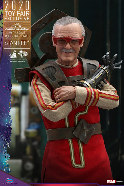 Hot Toys MMS570 Thor: Ragnarok 1/6 Stan Lee Collectible Figure