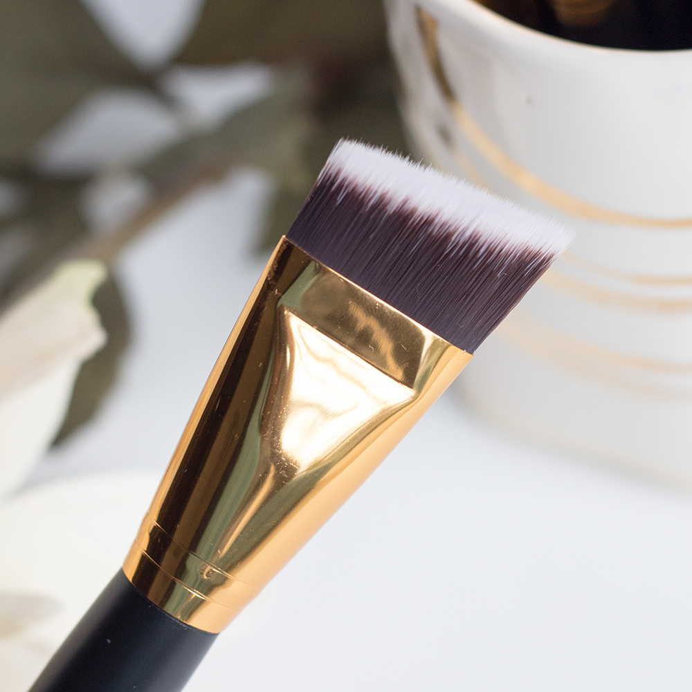 BH Cosmetics Sculpt & Blend 2 Angled Face Shader Brush