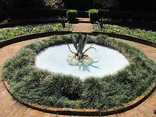 Fountain maclay gardens