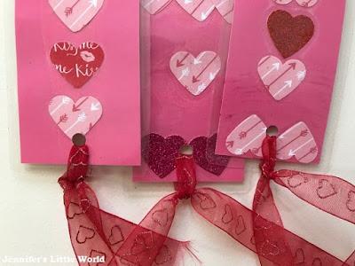 How to make Valentine's Day keepsake bookmarks craft