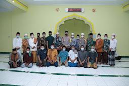 Sepakat Bertabur Bintang, Kapolres Lombok Tengah Tuai Pujian
