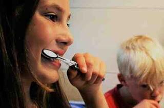 kawat gigi dan gusi