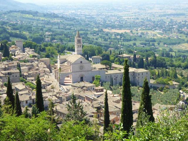 basilica di santa chiara vista dalla rocca