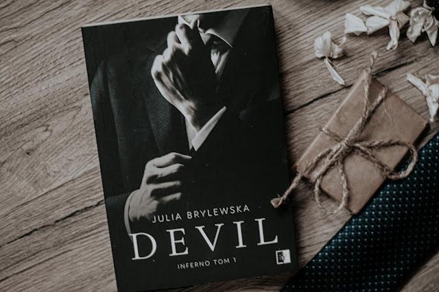 """Julia Brylewska - ,,Devil"""" (recenzja)"""