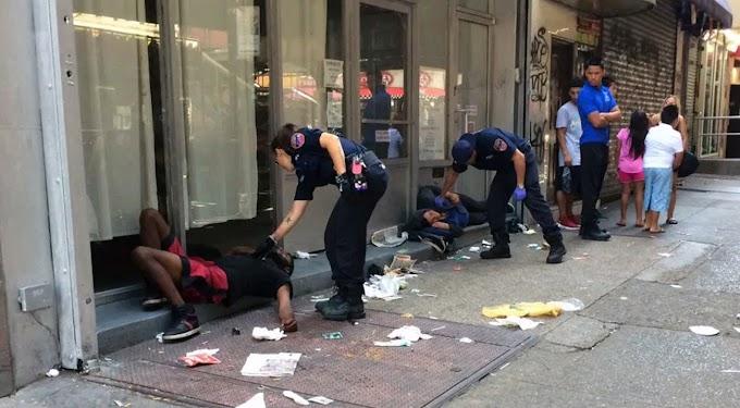 Hospitalizan 25 adictos zombis tras colapsar por consumo de marihuana sintética K2 en Brooklyn