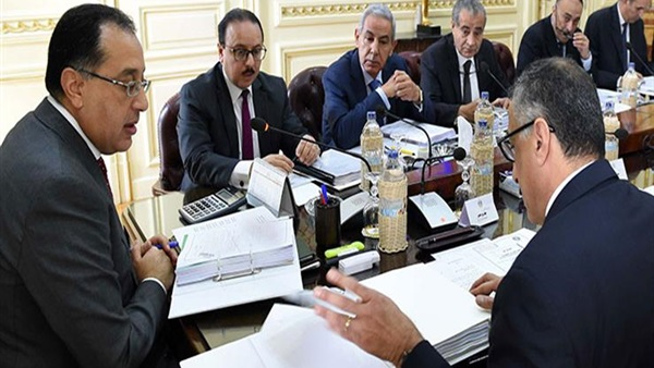 مجلس الوزراء يعلن عن قانون جديد لتحسين الاجور والمعاشات