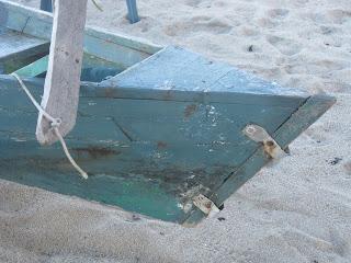 Belizean sailing dugout canoe - pintles