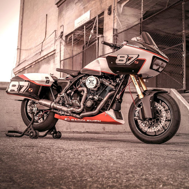 Michael Woolaway, Woolies Workshop, Saddlemen, Harley Davidson Bagger Race Bike