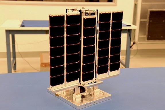 Satélite Arkyd-3R para teste de mineração de asteroides