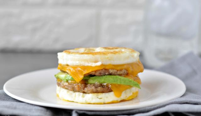 Keto Sausage and Egg Breakfast Sandwich #lowcarb #glutenfree