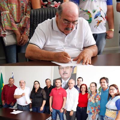 MAX DE ZÉ DE TOINHO PARTICIPA DE ASSINATURA DE ORDEM DE SERVIÇO DE REFORMA DO GINÁSIO DE ESPORTES DE RIBEIRÓPOLIS.