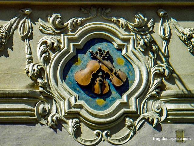 Casa dos Violinos, Rua Nerudova, Praga