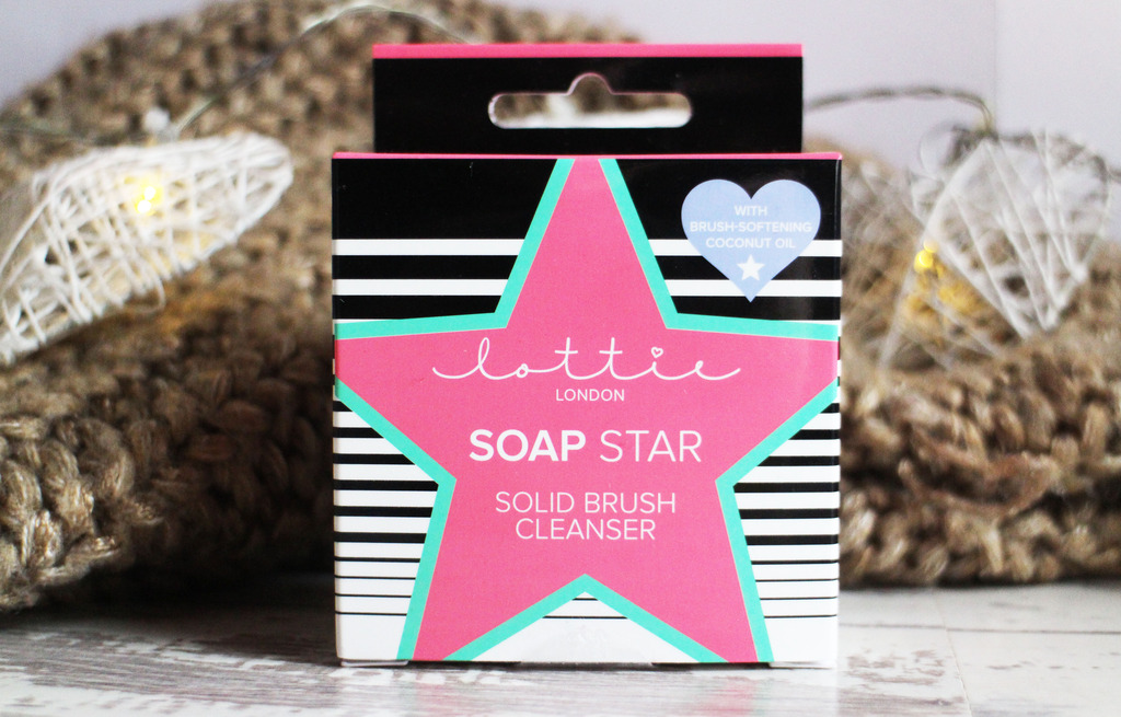 Lottie London Soap Star Solid Brush Cleanser