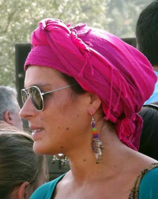 Mulher na Festa do Caldo de Quintandona