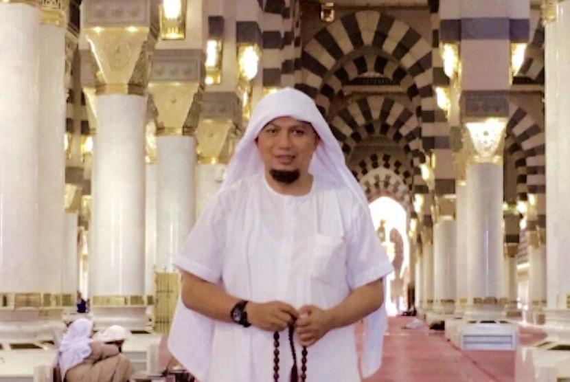 "Beginilah Kelembutan Hati Ustadz M. Arifin Ilham Terhadap ""Macan Ompong"""