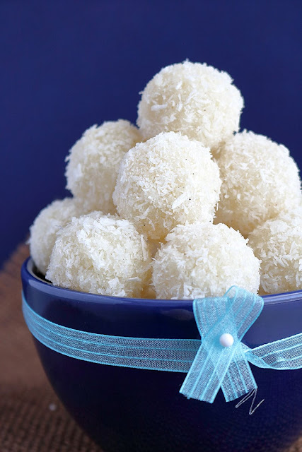 Nariyal Laddoo