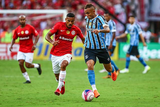 Inter diminui e pressiona o Grêmio. De fraca atuação no primeiro tempo ... 3f82fbf1dde7c