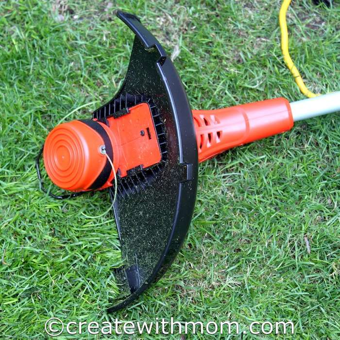 Create With Mom: The Black and Decker Dual line Trimmer and