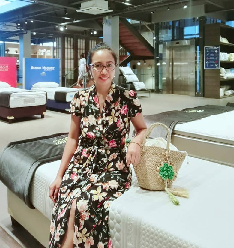 a girl wearing a dress from Mango