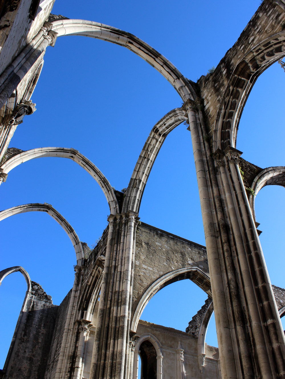 Lissabon Lisbon Lisboa Travel Guide Tipps Igreja do Carmo Museum Archeological