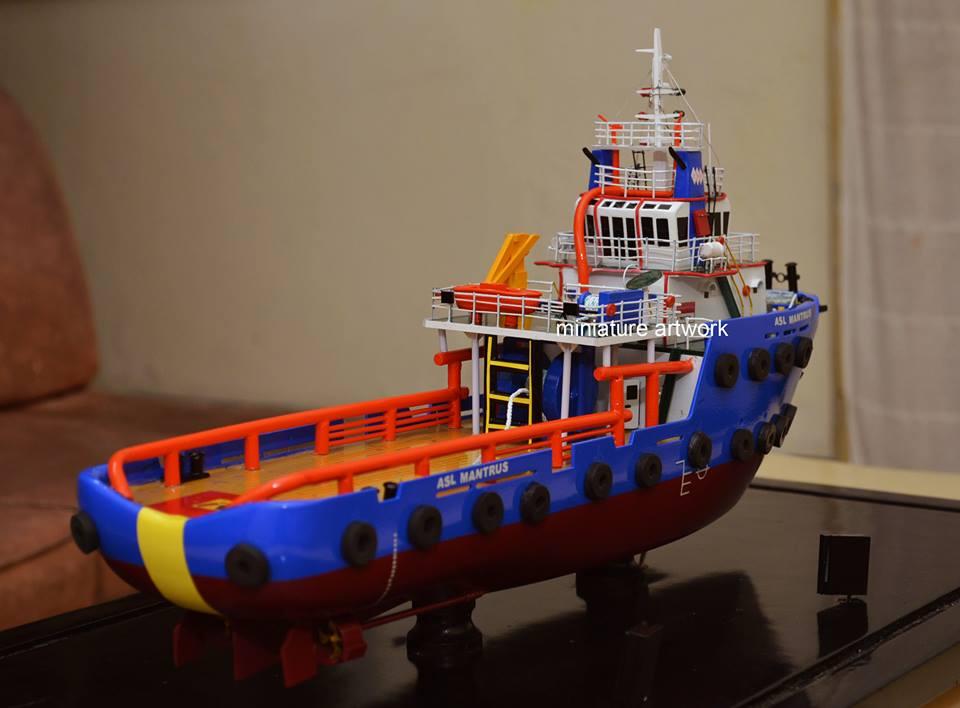souvenir maket miniatur kapal asl mantrus pt agus suta line capitol nusantara indonesia planet kapal rumpun artwork keren