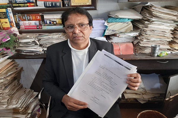 advocate-ln-parashar-high-court-petition-against-corrupt-officer-faridabad