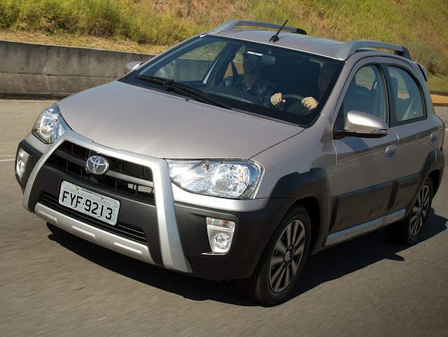 Toyota Etios Automático Cross 2017