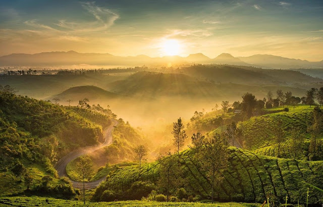 10 Destinasi Wisata Paling Terkenal di Bandung Terbaru 2020