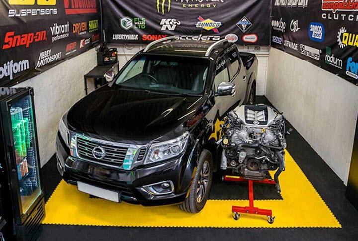 Nissan Navara 'độ' lên động cơ GT-R 1.000 mã lực
