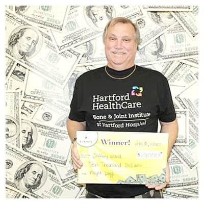 Encuentro de matrícula hace ganarse la lotería de $ 50,000