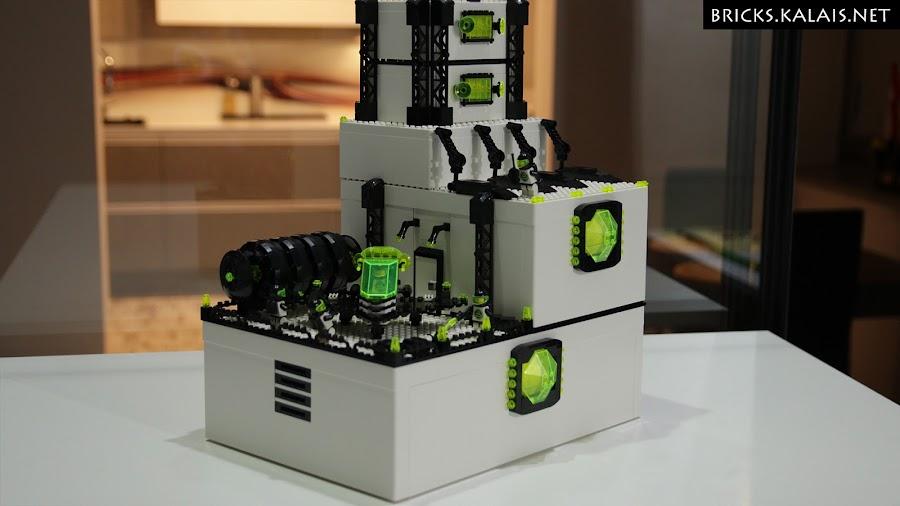 2. Ikea BYGGLEK Blacktron base - close-up