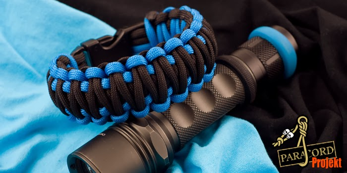 Bransoletka z paracordu king cobra z klamrą, niebieski i czarny