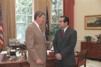 President Ronald Reagan and Justice Scalia in 1986