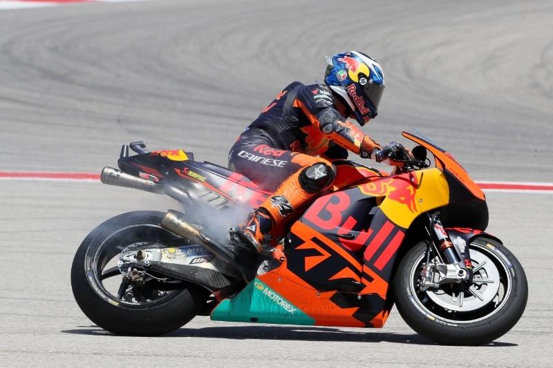 MotoGP 2017 : Masalah kopling sebakan Pol Espargaro gagal finish di Austin !