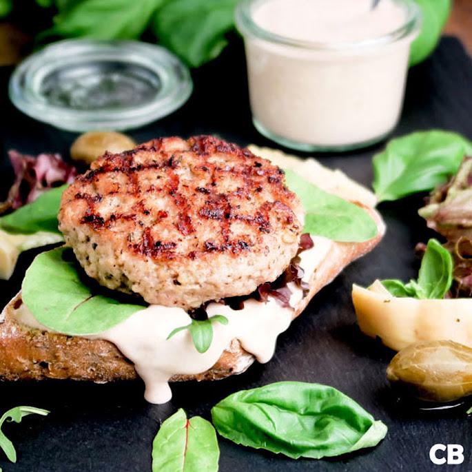 Recept: zo maak je zelf een vitello-tonnato-burger met allerlei heerlijke groenten!