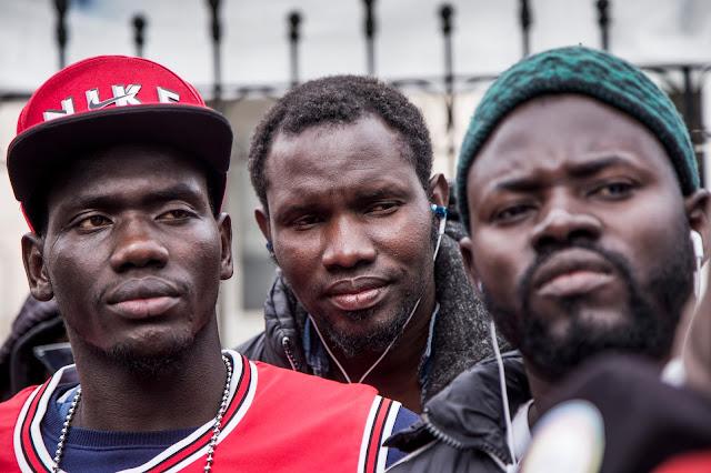 Vendedores ambulantes senegaleses de La Plata resisten ante los ataques de la policía