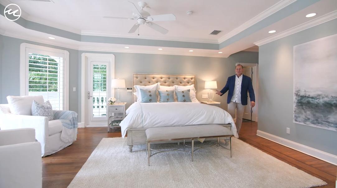 35 Interior Design Photos vs. 15867 Captiva Dr, Captiva, FL Luxury Home Tour