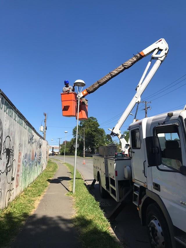 Prefeitura tem que gastar 50 Mil R$ concertando iluminação publica que foi destruída por vândalos